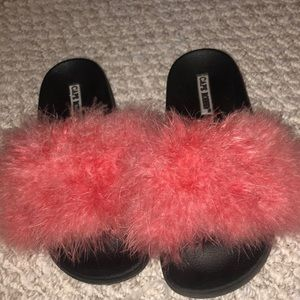 Pink feather slides